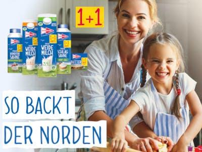 Mutter und Kind backen, links im Bild blaue Schrift auf weißem Grund: so backt der Norden, darüber Hansano Packungen und 1+1 Button