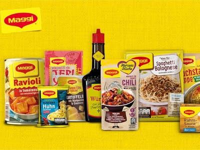 Maggi Produkte auf gelbem Untergrund, Maggi Logo oben links