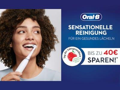 lächelnde Frau mit Oral-B Zahnbürste und sztahlend weißen Zähnen links im Bild, rechts auf blauem Hintergrund die Aktions-Texte