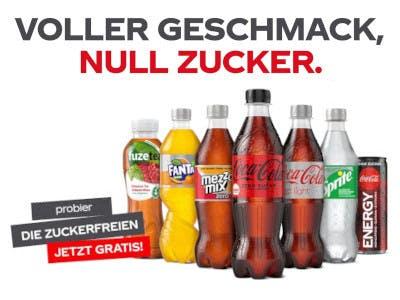 Mehrere CocoCola Produkte, darüber der Aktionsslogan, links Kurzbeschreibung