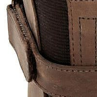 Rangezoomt: Stiefel in Used-Optik unter der Lupe