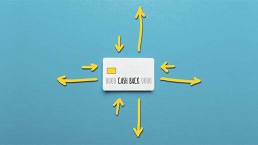 Eine Cashback Karte mit gelben Pfeilen