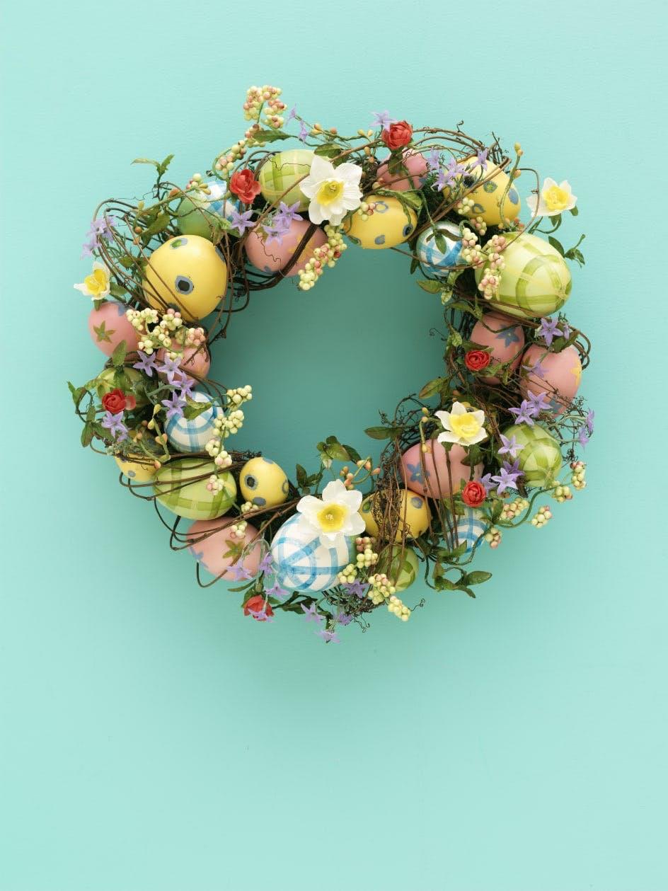 Osterkranz im Frühlings-Look
