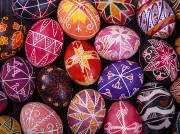 Klassisch und Elegant: Osterei Ornamente fürs Osterfest