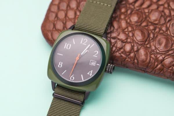 Uhren mit Textilarmbändern liegen voll im Trend