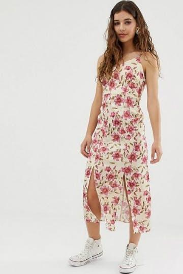 Shoppe jetzt das perfekte Sommerkleid für das nächste Festival.