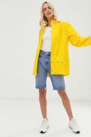 Ein Must-have auf jedem Festival: die Wasserfeste Jacke