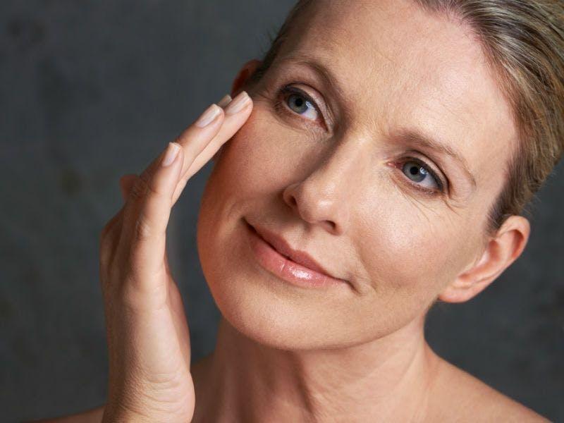 Der Hauttyp reif braucht viel Pflege und Feuchtigkeit.