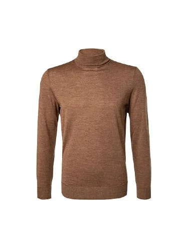 Brauner Rollkragen-Pullover auf weißem Hintergrund