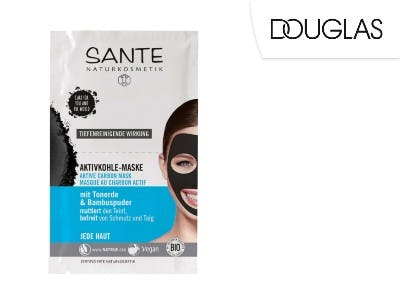 Tiefenreinigend: die Aktivkohle Maske von Sante