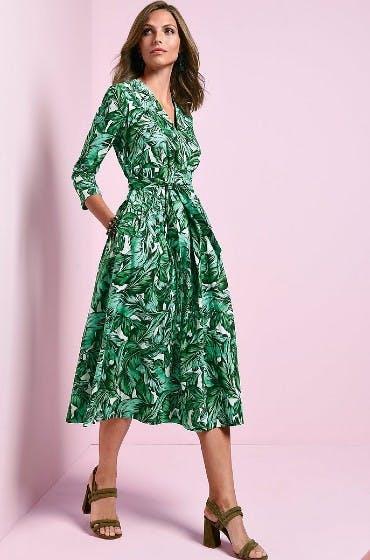 Gleicht die V-Figur aus: das WINDSOR Kleid mit 3/4-Arm von Peter Hahn