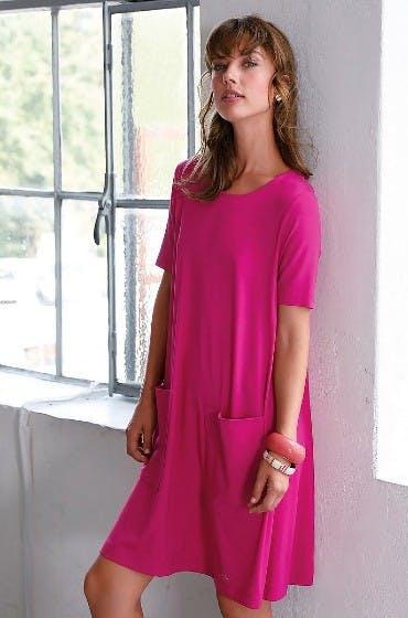 Jersey-Kleid LOOXENT von Peter Hahn: kaschiert die O-Figur perfekt.