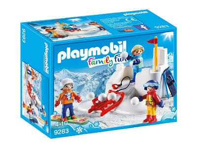 """Winterlicher Spaß für die ganze Familie erwartet Kinder mit dem """"Family Fun"""" von Playmobil."""