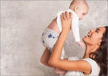 Mode für Mami und Baby gibt es im Shop von Bellybutton