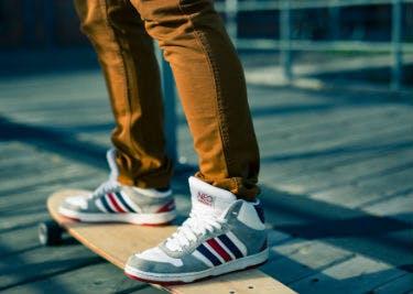 Schuhe bei Foot Locker kaufen