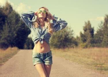 Trendige Mode für den Sommer kaufen