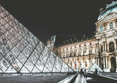 Spare auf deinen Besuch in Paris mit Gutscheinen